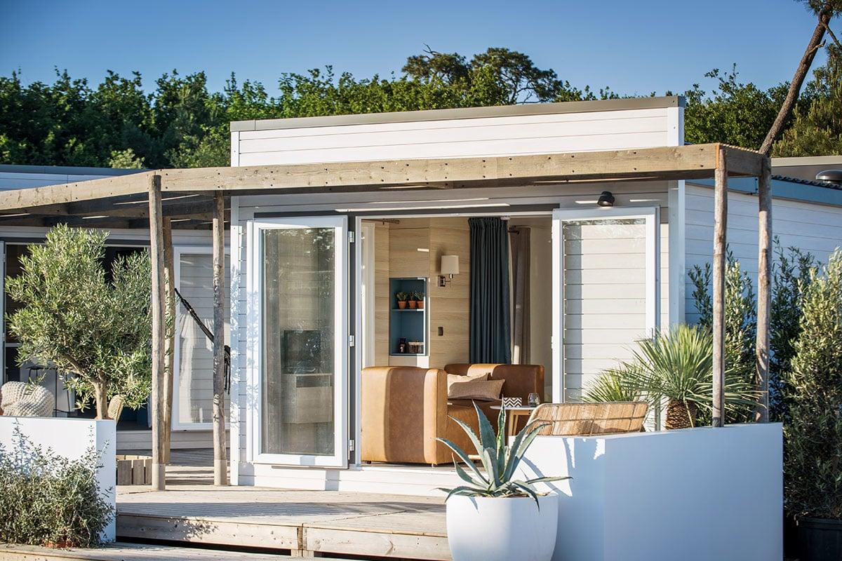 camping avec bungalow ensoleillé provence
